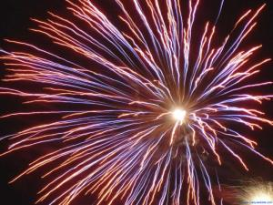 patriotic_wallpaper_background_firework_sky_red_white_blue_800x600-11